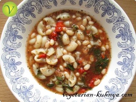 Суп с макаронами и фасолью