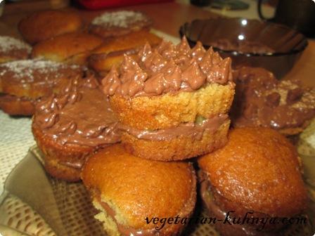 Вегетарианские пирожные с шоколадным кремом