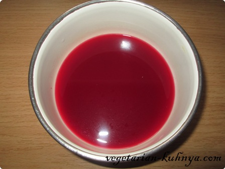 Выжатый гранатовый сок