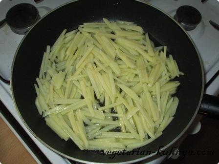 Пожарить картофель