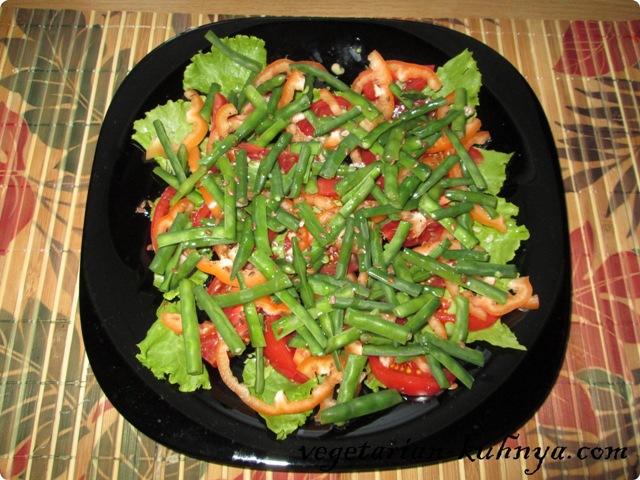 Заправить салат со стручковой фасольюмаслом