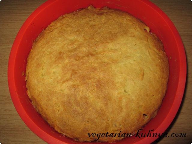 Готовый вегетарианский овощной пирог