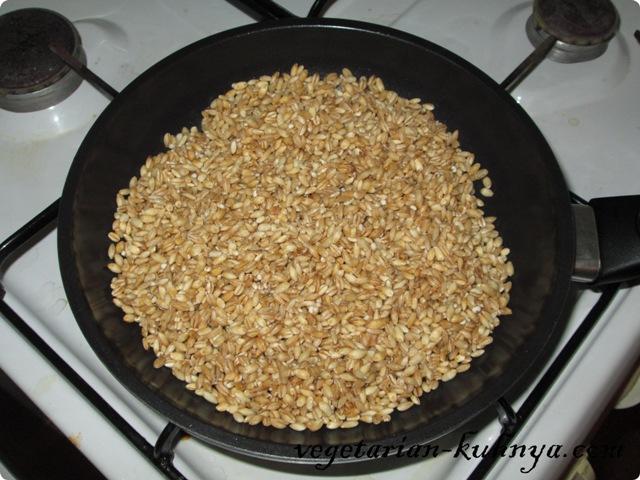 Перловку посушить на сковороде