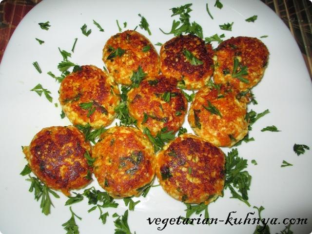 Вегетарианские котлеты из панира