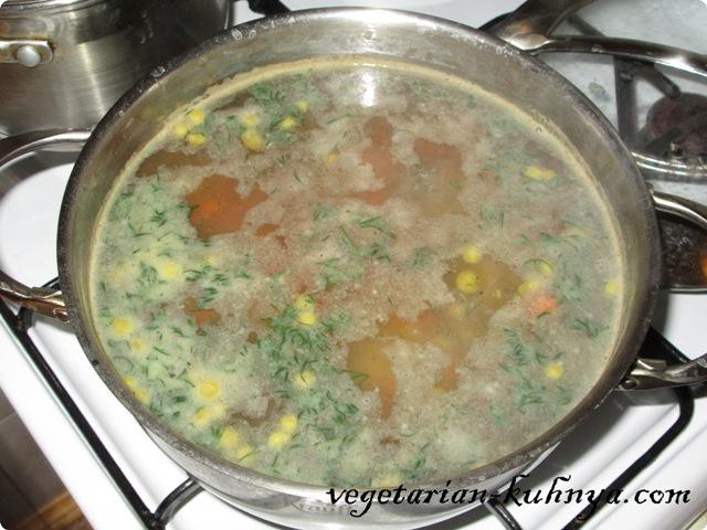 Вегетарианский суп с консервированным горошком