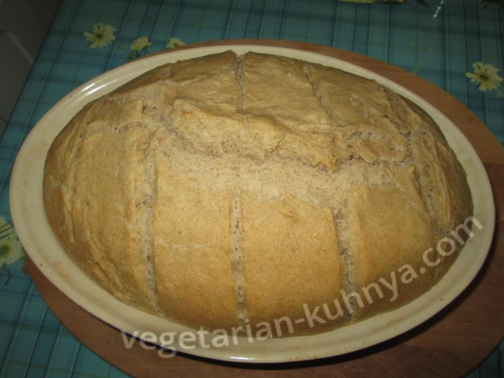 Хлеб на закваске только из духовки