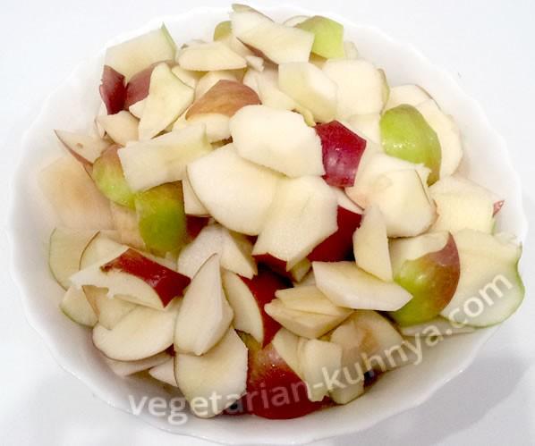 нарезанные яблоки для сушки
