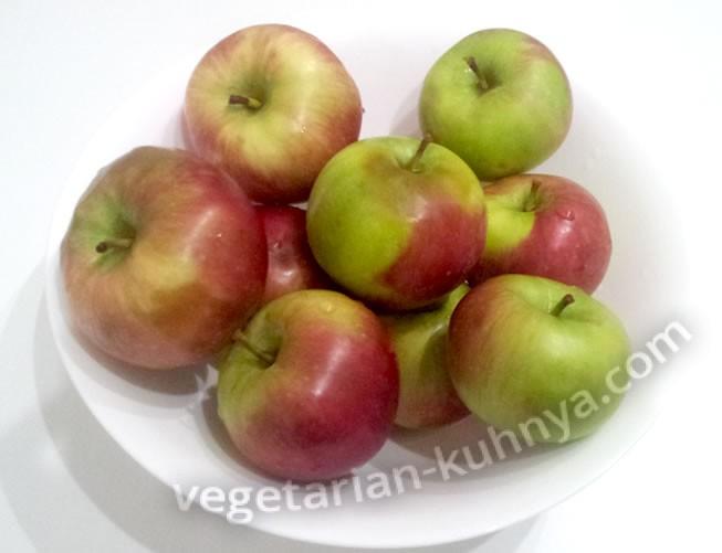 моем яблоки